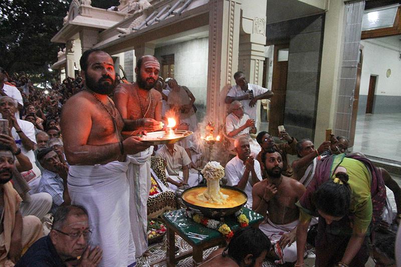 Karthigai Deepam - 2019 - Foto 12
