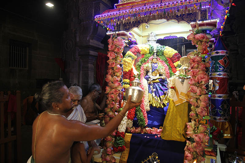 Navaratri Dia 4 Linga Puja