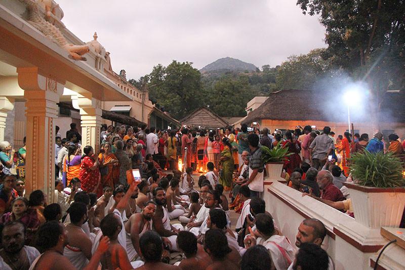 Karthigai Deepam - 2019 - Foto 05