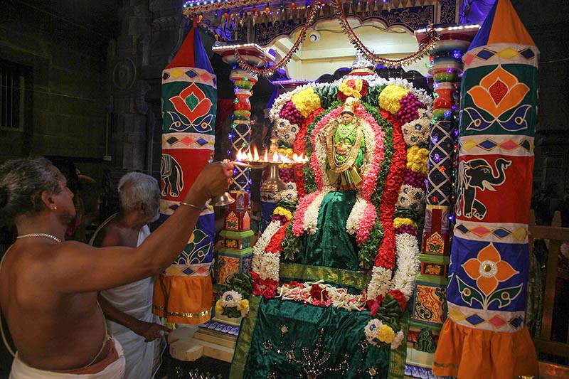 Navaratri Primeiro Dia Meenakshi 13