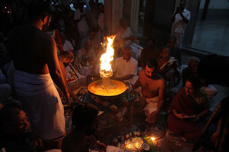 Karthigai Deepam - 2019 - Foto 06