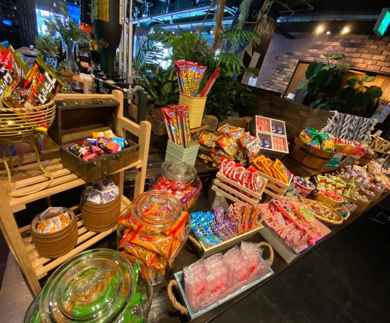 100種類以上のお菓子食べ放題