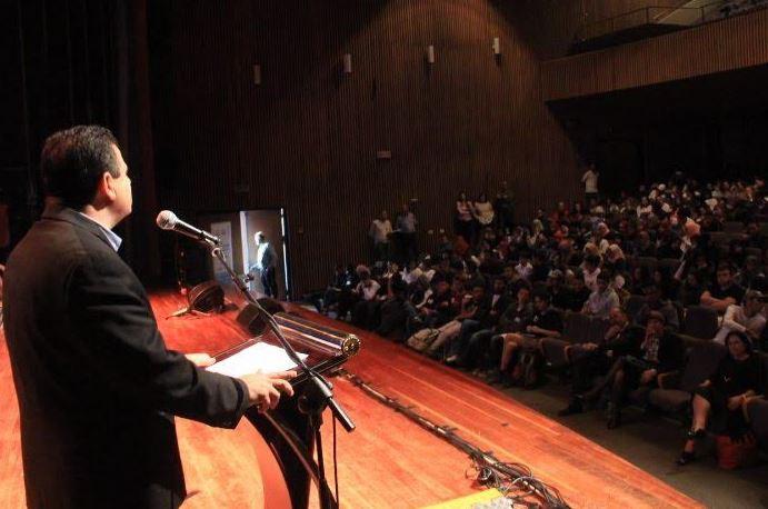النائب عودة يلتقي مئات الطلاب الثانويين في شبكة مدارس برانكو فايس