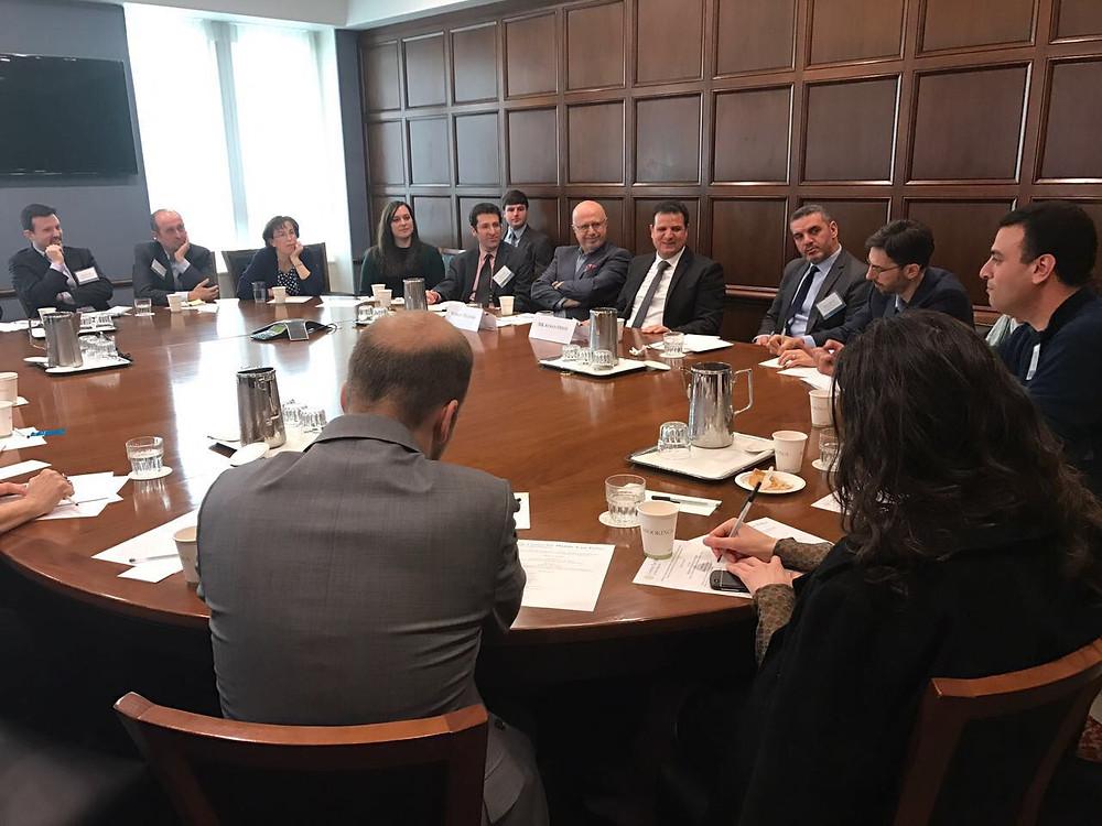 النائب عودة يشارك في لقاء باحثي معهد الأبحاث بروكنز في واشنطن