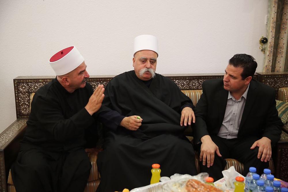 النائبان عودة وأبو معروف يشاركان في زيارة النبي شعيب