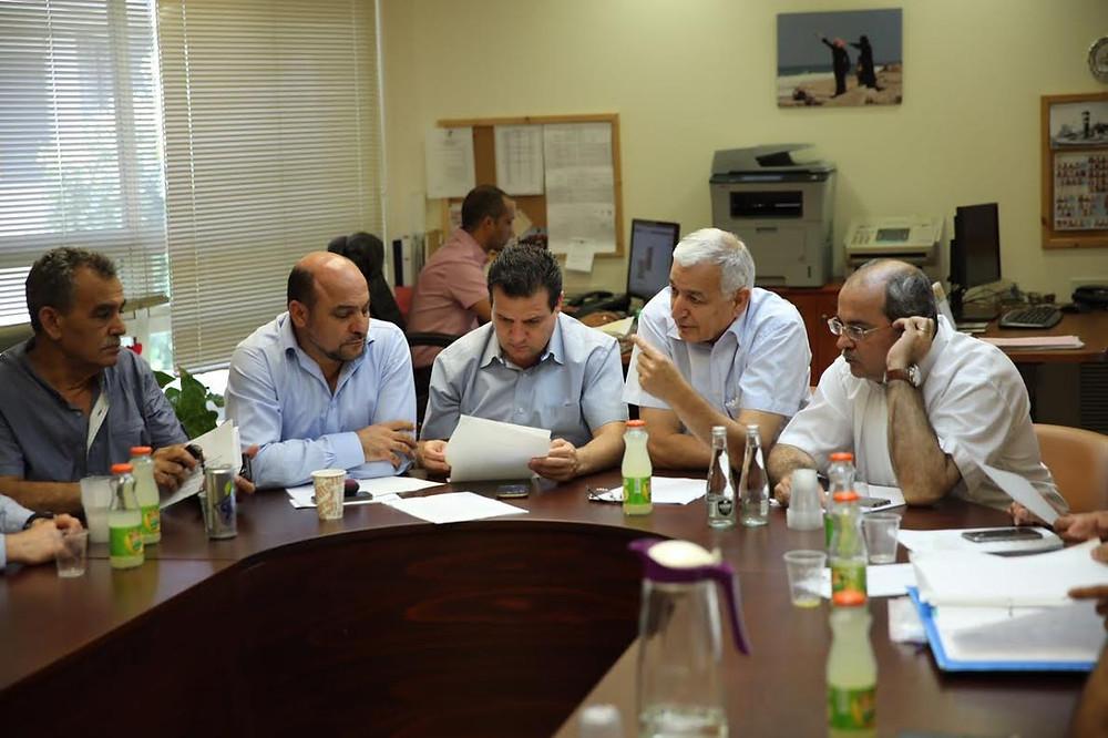 نواب القائمة المشتركة يلتقون مدير عام مؤسسة التأمين الوطني