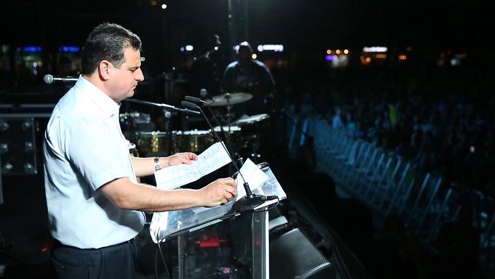 النائب عودة خلال مظاهرة تل ابيب: أنا عربي فلسطيني، ويجب القبول بهذه البديهية لننطلق منها نحو شراكة حقيقية