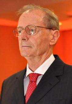 Décio Casadei, primeiro presidente da ABREMI é homenageado pela velha guarda.