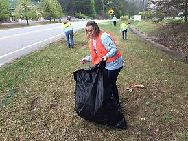 Woman picks up litter- City of Cumming Great FoCo 21.jpg