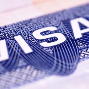 Hasta marzo las restricciones a 'green cards' y residencia permanente