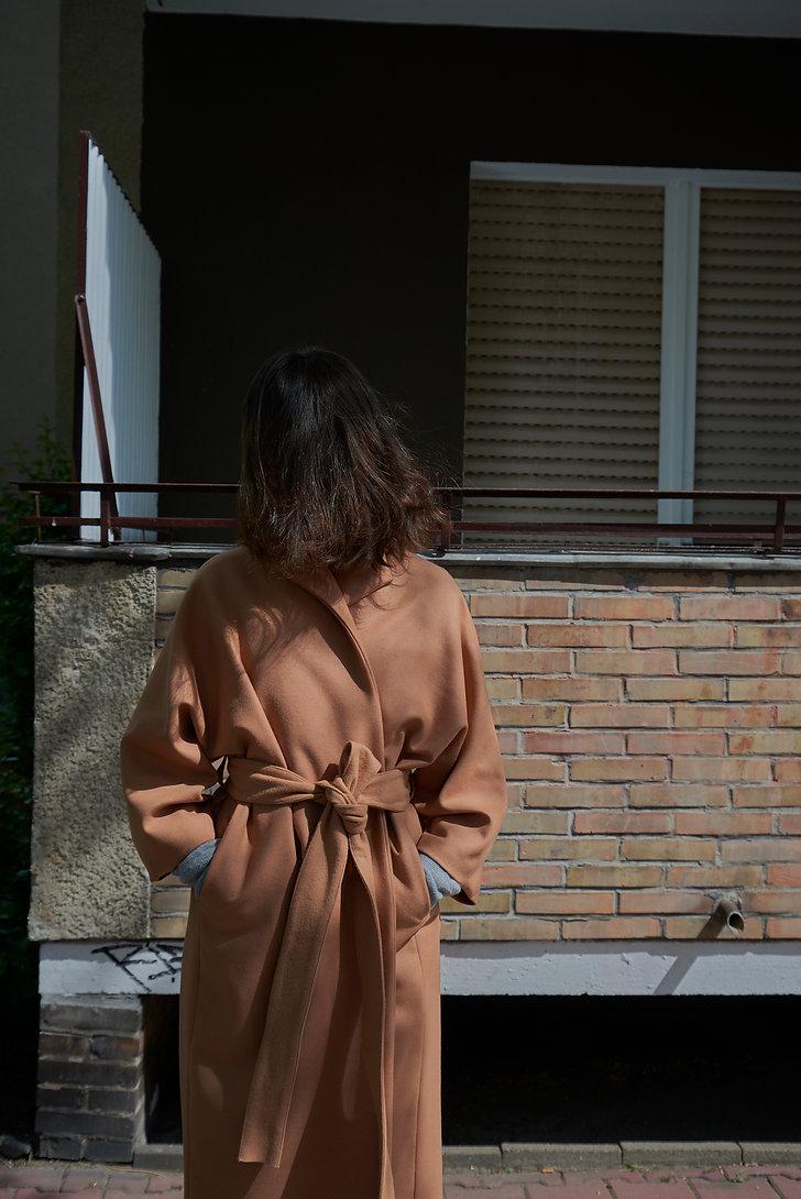 Lea Roesch - Coat 01