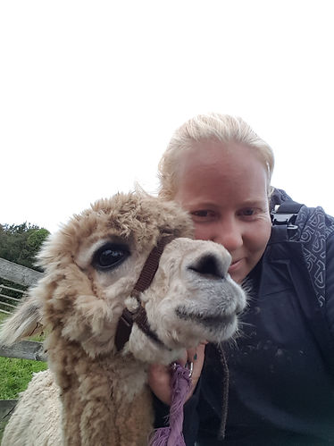 Aramis and Emma Alpaca trekking together