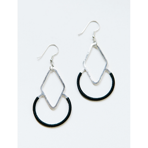 Graphic Threads Black Earrings