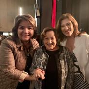 Eu (Lina Menezes, do Tudo sobre Alzheimer) tietando as queridas atrizes Nicette Bruno e Beth Goulart