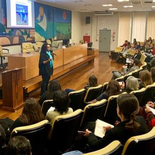 Luciana-Cassimiro-e-público-geral.jpg