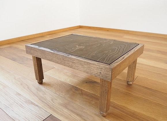 天板に良質な古材を再利用した豆ちゃぶ台(豆ちゃぶ、豆卓子)です。