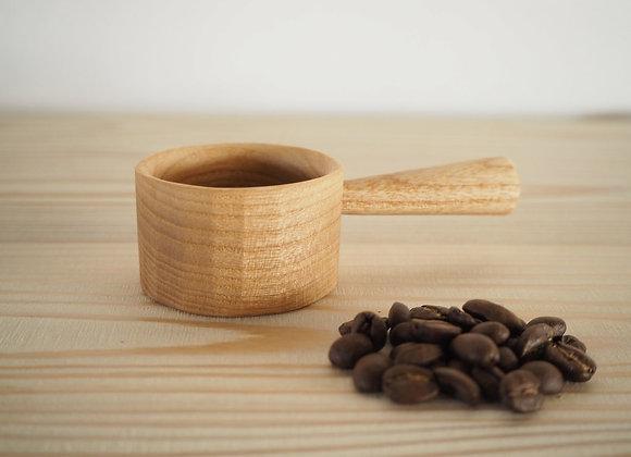 国産のシオジの木で作ったコーヒーメジャースプーンです。