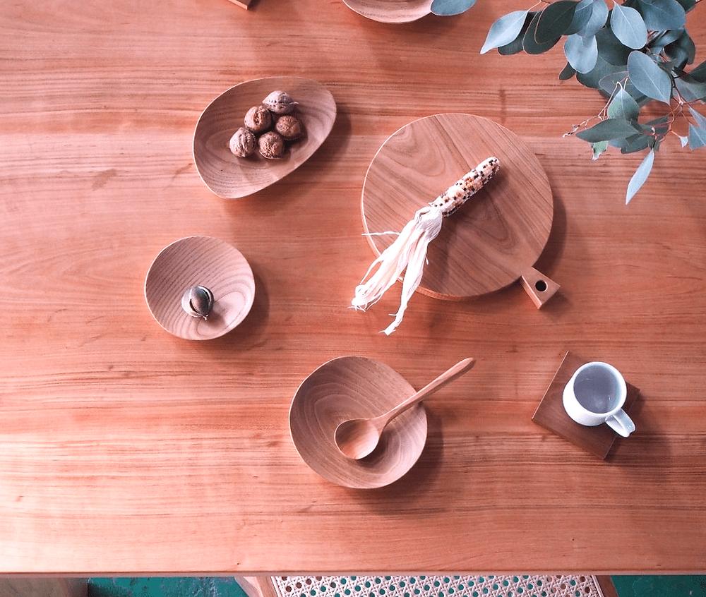 山桜の6人掛けダイニングテーブル