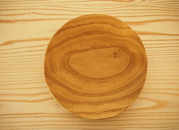 国産のクリの木で作った5寸皿(中皿)です。