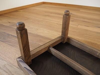 昔ながらの折り畳めるちゃぶ台です