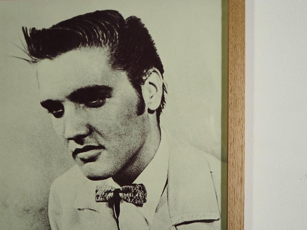 The Smith(ザ・スミス)の80年代ビンテージポスターを納めた額縁
