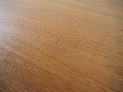 オニグルミで製作した家具は和洋問わない雰囲気になります
