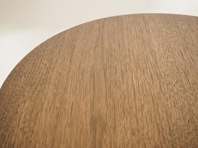小ぶりなカフェテーブル