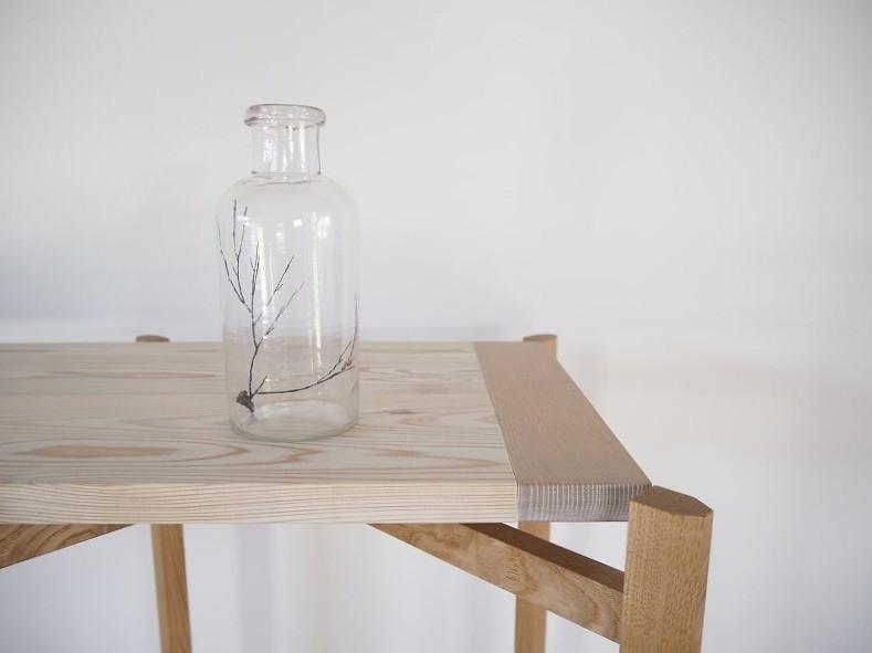 クラフトマーケットなどに出展する際に使う、折りたたみ式の陳列棚を製作しました。