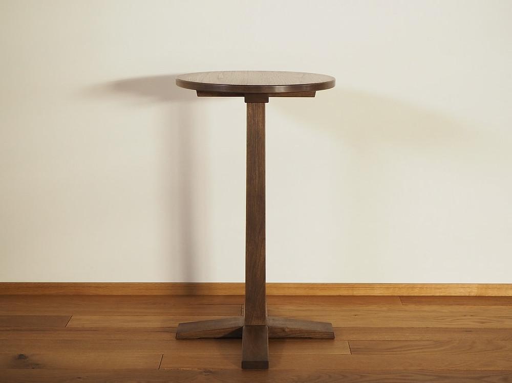 小ぶりなカフェテーブル(ティーテーブル、コーヒーテーブル)
