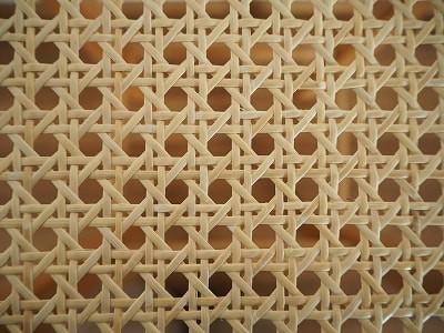 カゴメ編みの座面