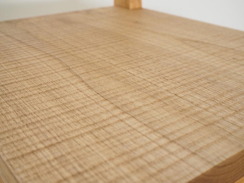 外丸鉋で木を削ることでできるテクスチャー