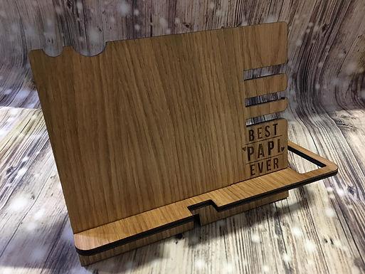 Männer Handy Dockingstation - Mit Personalisierung aus Eichen Furnier Holz
