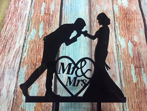 CakeTopper - Tortenstecker Brautpaar - Kuss auf die Hand Mr & Mrs