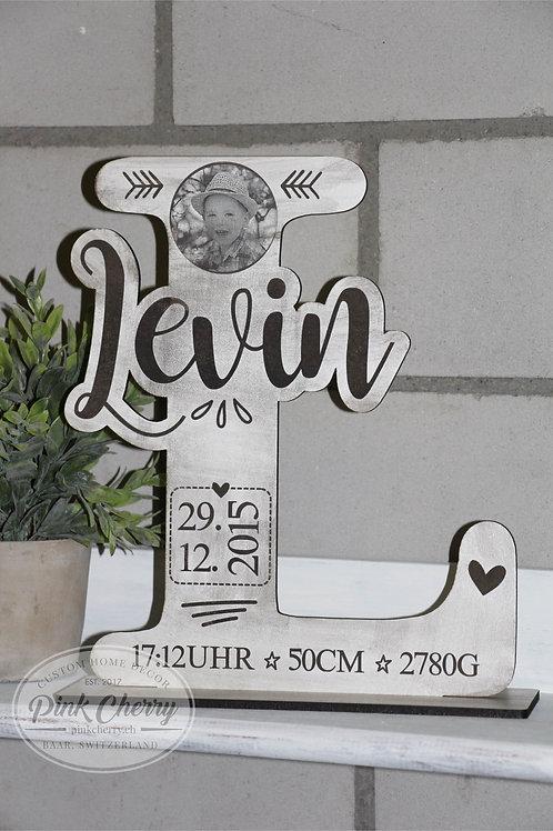 Geburtsdaten Buchstabe mit Foto Gravur