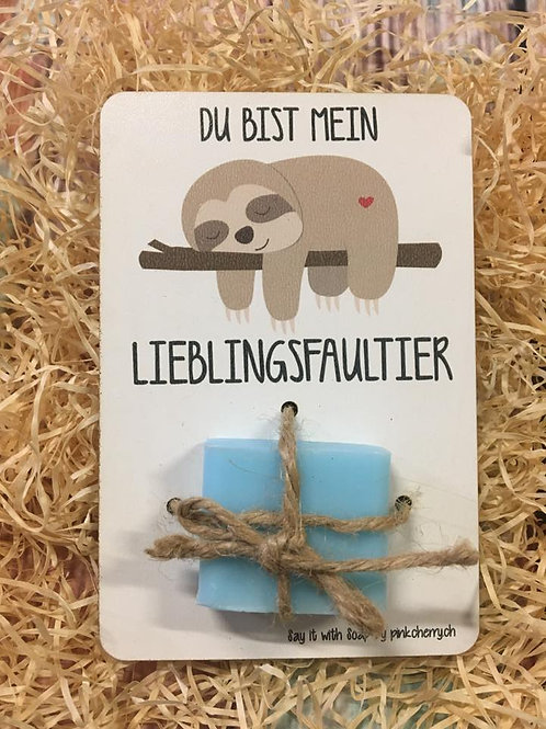 Say it with Soap - Holzkarte mit Seife - Du bist mein Lieblingsfaultier
