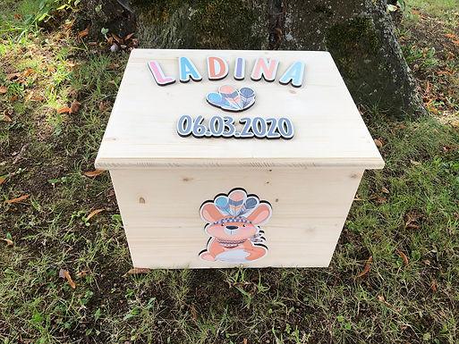 Handgemachte Spielzeug Kiste mit Deckel - Personalisiert