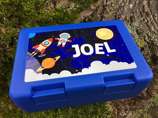 """Lunchbox / Znüniböxli """"Out of Space""""  - Personalisiert"""