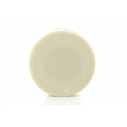 Natürliches Haarshampoo in fester Form