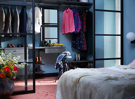 Elfa-decor-walkincloset-bedroom-5.jpg