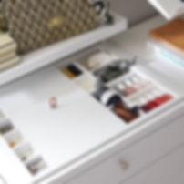 ELFA-decor-walkin-closet-accessorytray-2