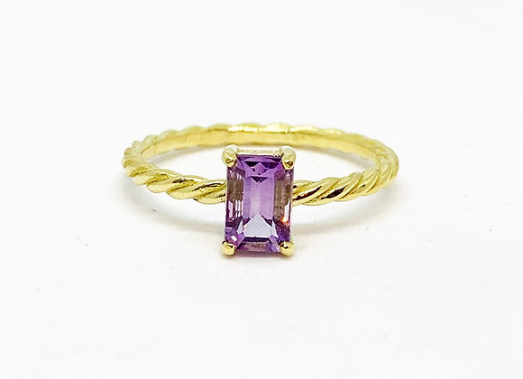Twisted Rectangle Ring