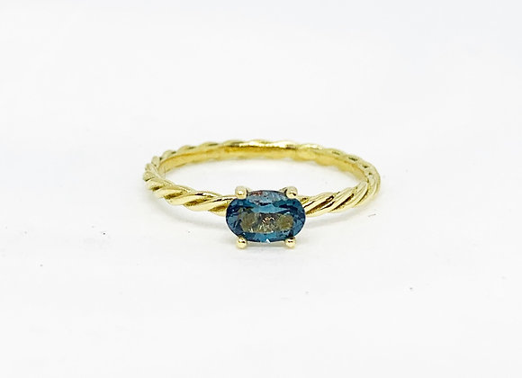 Twisted Oval Horizontale ring