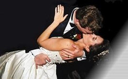 Grand Finale' Dip and kiss