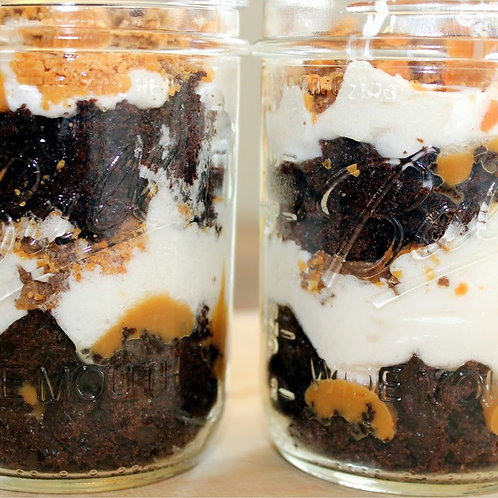 MASON JAR CAKES, PEANUT BUTTER CUP (Quantity of five)