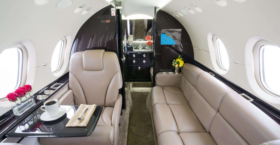 N900LD 2012 Hawker 900XP Divan.jpg