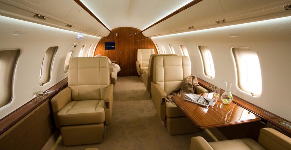 CL-605 Interior.jpg
