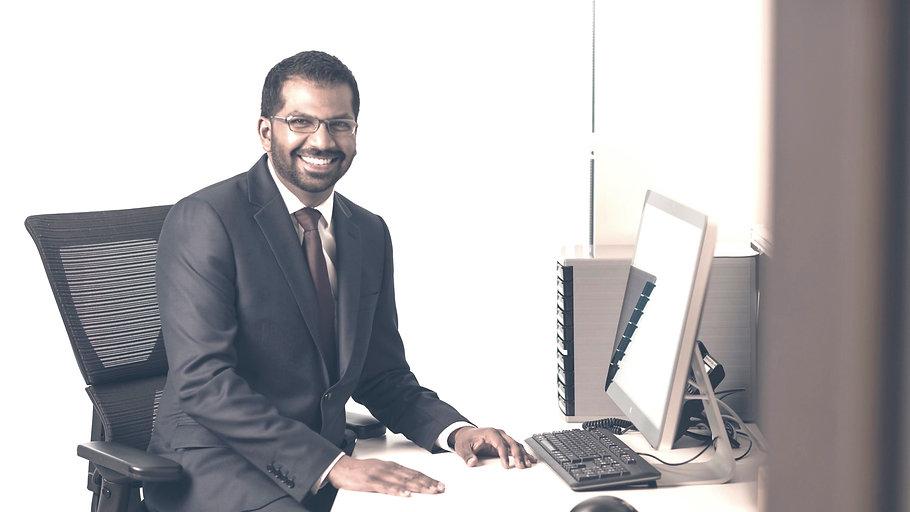 Devendra 'Dev' Mahadevan, Consultant Orthopaedic Foot and Ankle Surgeon, Reading