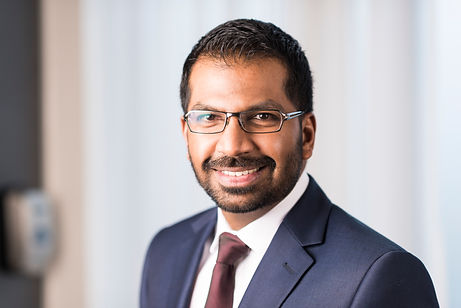 Consultant Foot and Ankle Surgeon, Mr Dev Mahadevan, based in Reading, Berkshire
