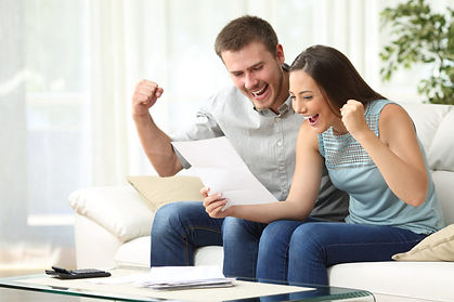 Happy-Couple-selling-home.jpg