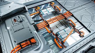 batteries-1-jaguar_i-pace_cutaway_016.jpg
